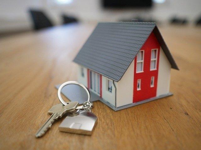 Pourquoi passer par un courtie immobilier pour acheter un bien en Normandie ?